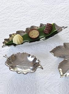 Platinum Leaf Dishes